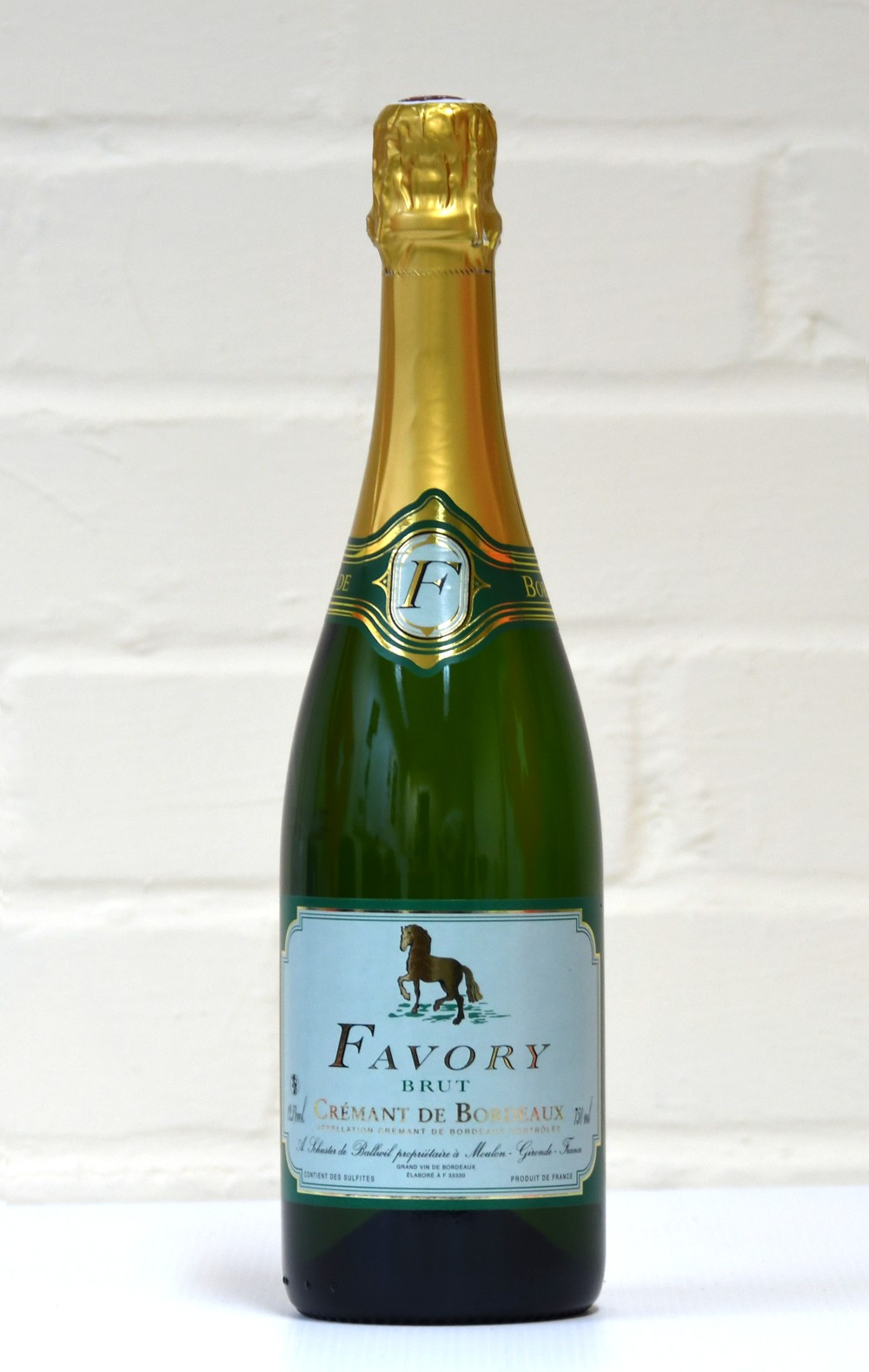 Buy Brut sparkling wine online from our white wine and Champagne range including Semillon, muscadelle and prosecco